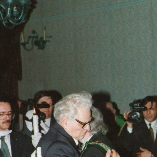 ABBRACIO FRATERNO